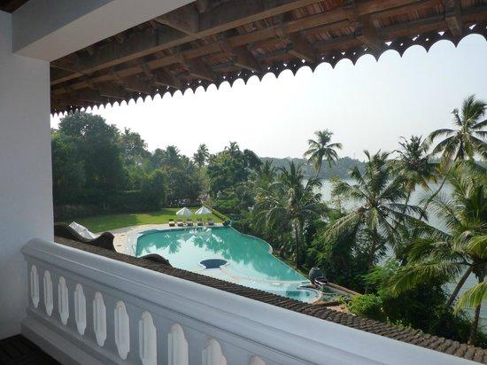 The Raviz Resort and Spa, Ashtamudi : zwembad