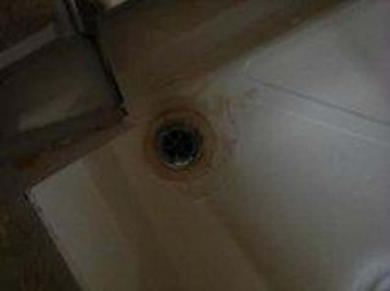 The Croham Hotel: Shower needs clean!