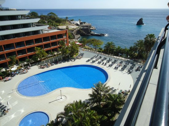 Enotel Lido Madeira: poolview from room
