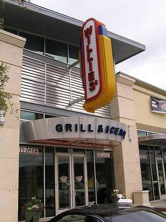 Willies Grill and Ice House: Exterior