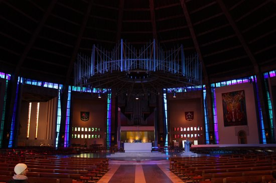 Metropolitan Cathedral of Christ the King Liverpool: Inside Liverpool Metropolitan Cathedral