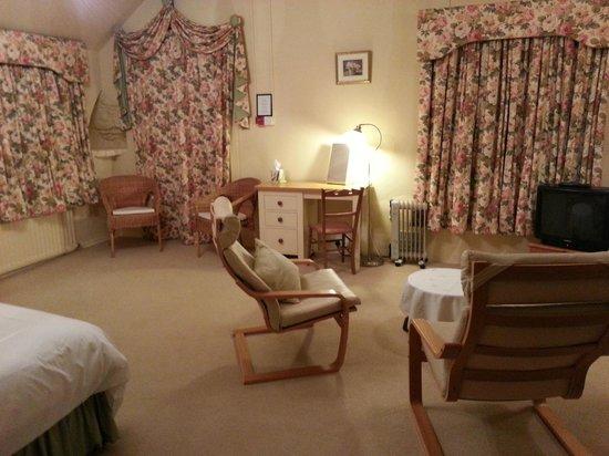 The Bark House: Room
