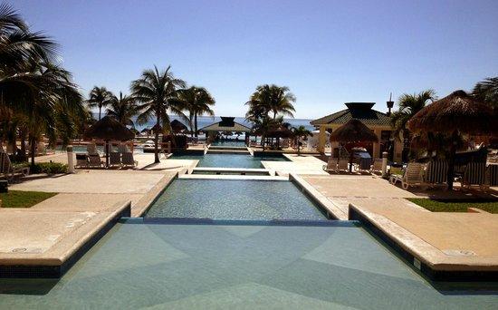 Iberostar Cancun: View of Pools & Pool Bar