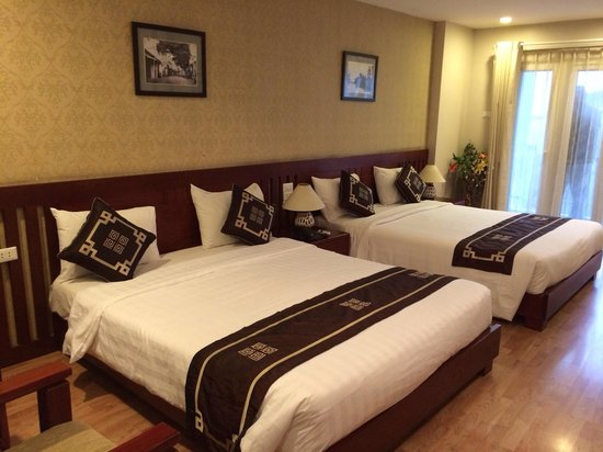 Golden Land Hotel: Номер с двумя кроватями.