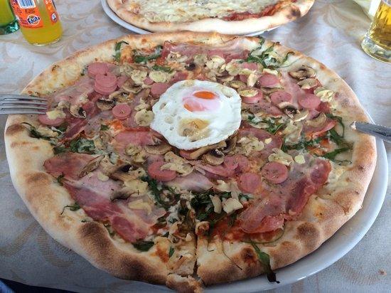 Pizzeria & Spaghetti house Don Andro: Pizza zlatorg