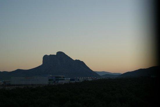 Hotel Los Dolmenes: Vista del amanecer desde la habitacion