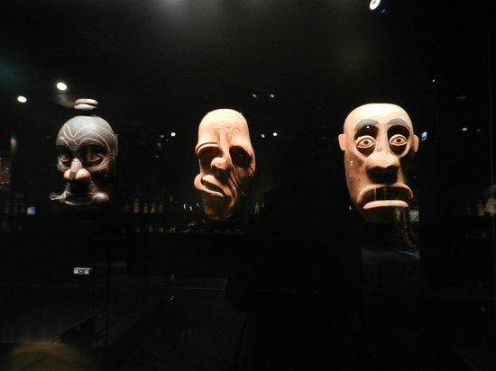 Musee du quai Branly - Jacques Chirac: Masks