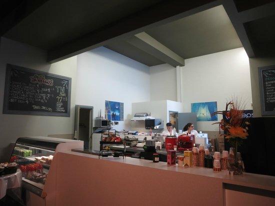 Hotel de Glace: Poor food service area