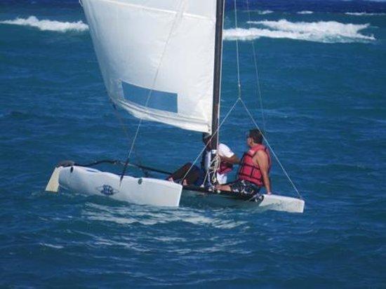 Caribe Club Princess Beach Resort & Spa : Clases de Catamarán