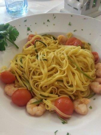 Taverna del Borgo: Tagliolini gamberetti e zucchine