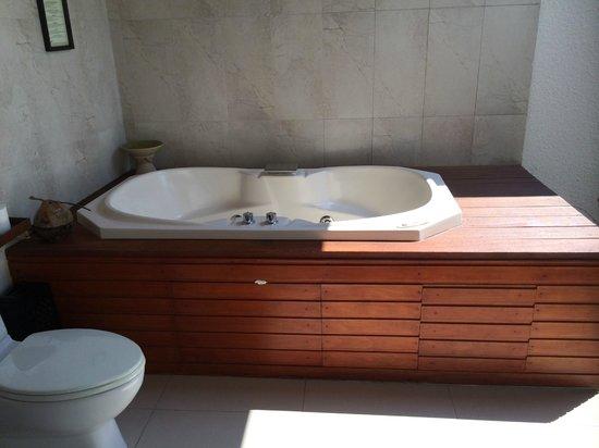 Kuredu Island Resort & Spa : Jacuzzi - Sulthan Villa