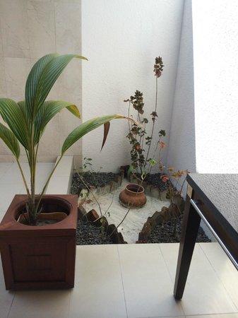 Kuredu Island Resort & Spa : bathroom area - sulthan villa