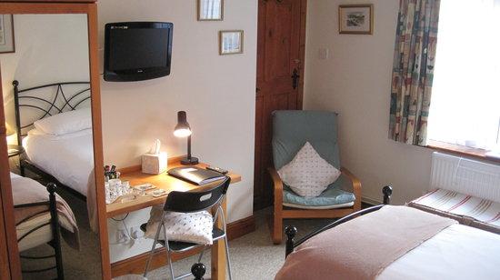 Mole Lodge Bed & Breakfast: Twin room
