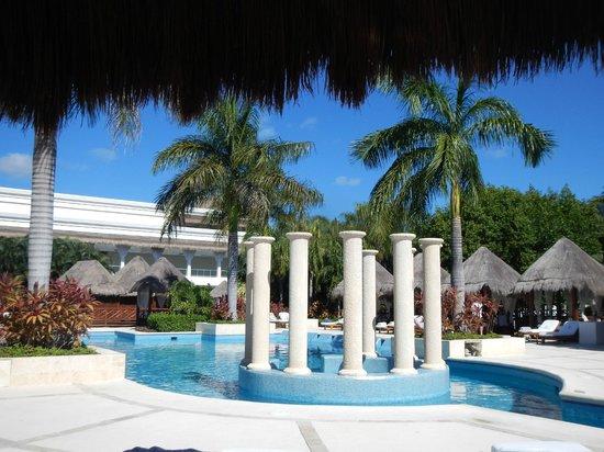 Grand Sunset Princess All Suites Resort: The Villa Pool