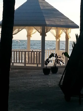 El Dorado Sensimar Riviera Maya : you can book a romantic meal in here