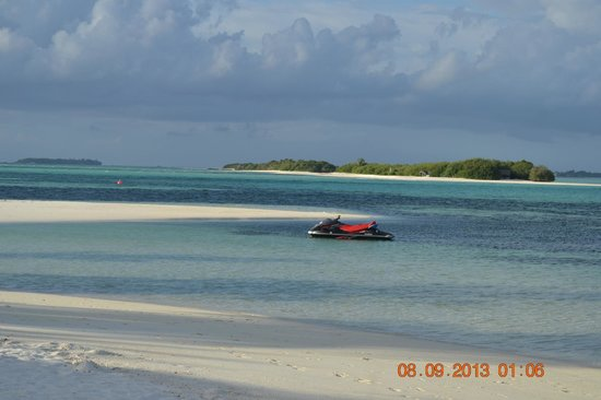 Fun Island Resort : island walking area
