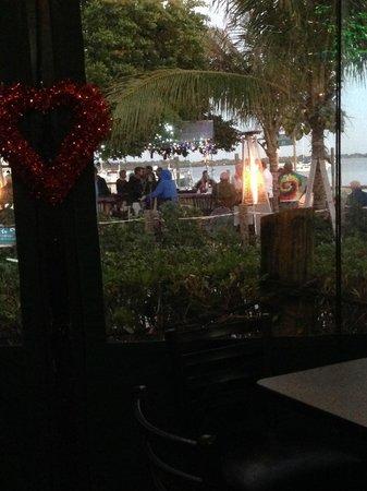 Bridge Tender Inn: Outdoor seating