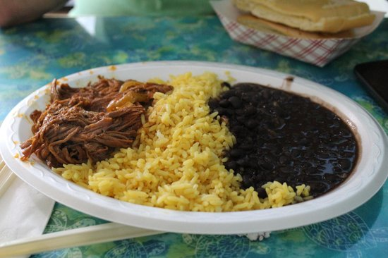 Coco's Kitchen: pulled beef with beans and rice