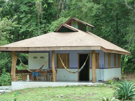 Cabinas Wolfsong Cahuita: Cabina mit 2 Zimmer, Bad und Küche