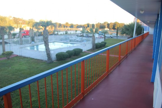 Motel 6 Wildwood : Americas Best Value Inn - Wildwood, FL