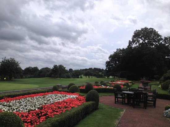 Oulton Hall & Spa : Grounds