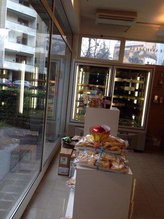 Pasticceria nuovo swing reggio emilia restaurant for Restaurant reggio emilia