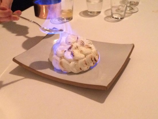 Eleven Madison Park : The Baked Alaska being Flambeed