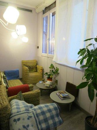 Hotel Ginebra: Public lounge area