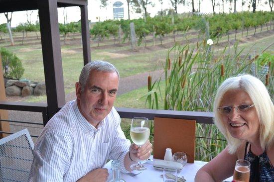 Hermitage Lodge : Dining alfresco - cheers!