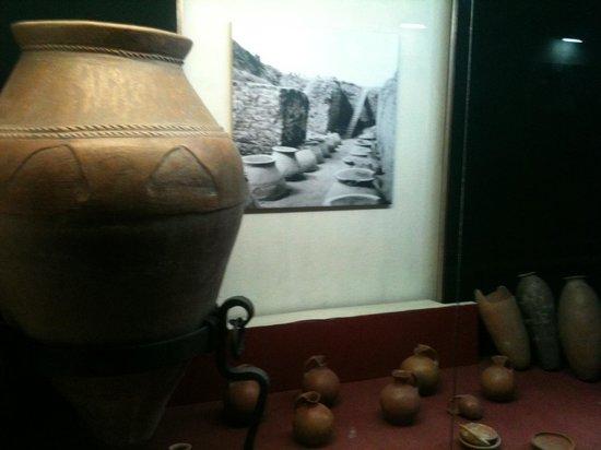 Erebuni Town-Fortress: Anfore