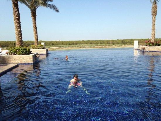 Anantara Eastern Mangroves Hotel & Spa: Piscine