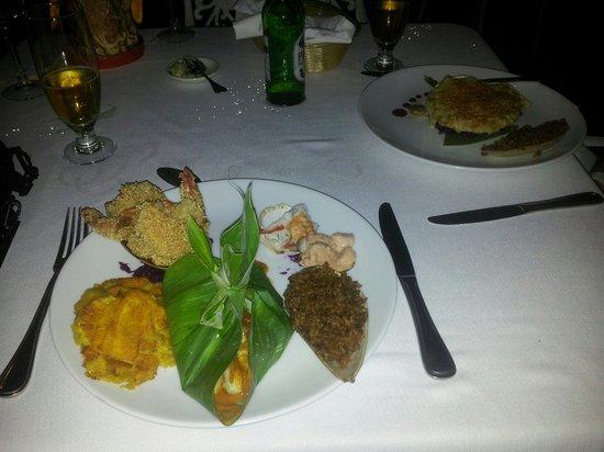 Restaurante Club de Pesca: Mariscos a la cartagenera. Muy bueno