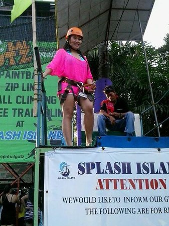 Splash Island: zip lining