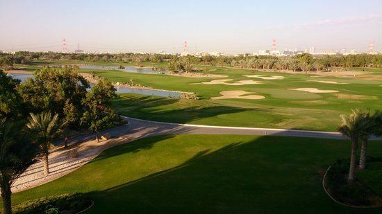 The Westin Abu Dhabi Golf Resort & Spa: golf course