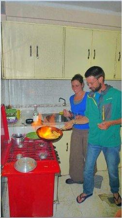Jamuy Hostel: Cocina Kitchen