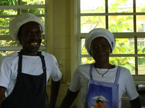 Mango Bay Cottages: Chef Kiddusi Smart
