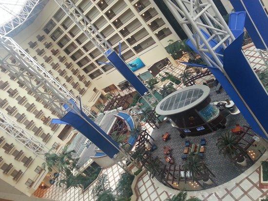 Renaissance Orlando at SeaWorld: atrium