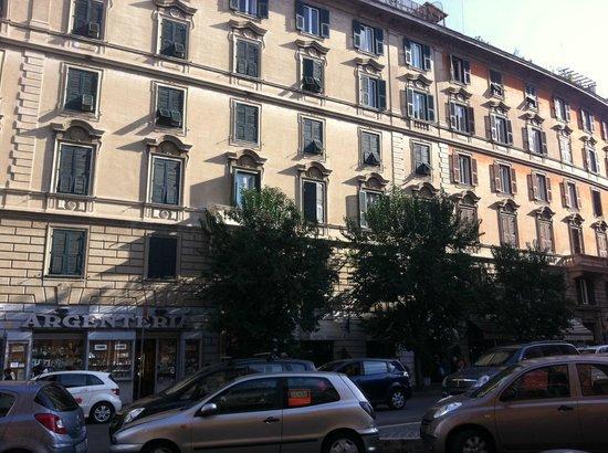 Emmaus : Hotel Emaus, Roma