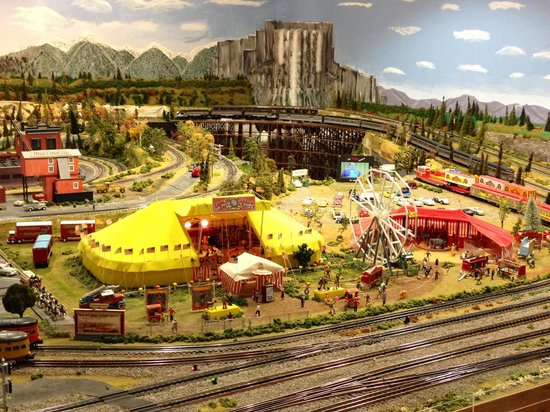 Foley Railroad Museum: Circus tent