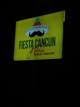 Fiesta Cancun Grill: Signage