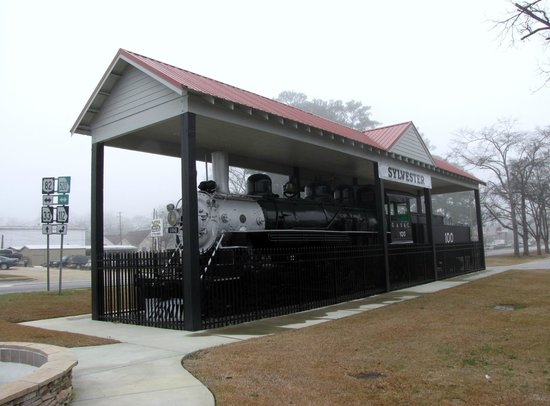 Sylvester, GA: Ole Engine 100
