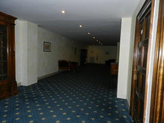 Hotel Columbus: pasillo a la habitación