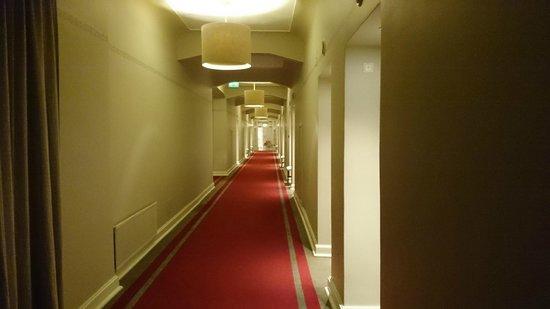 Astoria Hotel: угадайте какой век по фото