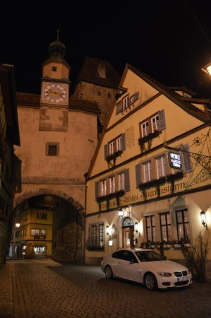 Romantik Hotel Markusturm: Outside of Hotel--just pulled up