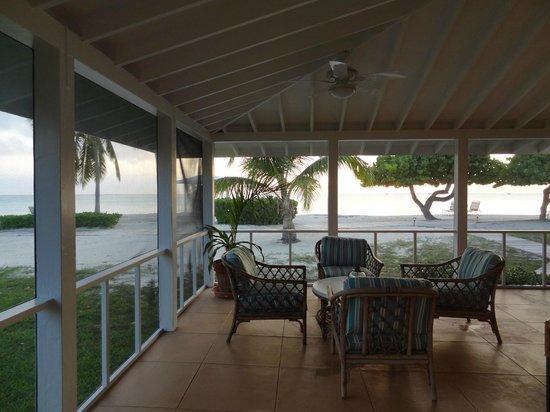 Cape Santa Maria Beach Resort & Villas: Zimmeraussicht (direkt aufs Meer)/ Terrasse