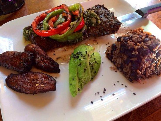 Cafe Verde: Skirt steak