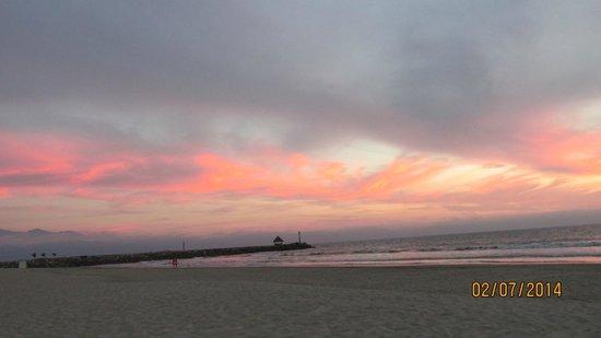 Paradise Village Beach Resort & Spa : Sunset
