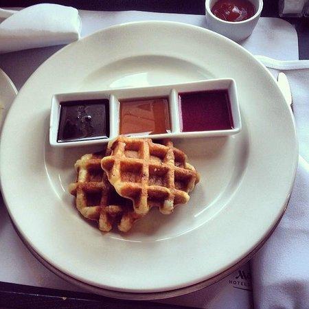 York Marriott Hotel: In room breakfast, Freshly made waffles - pricey but nice.