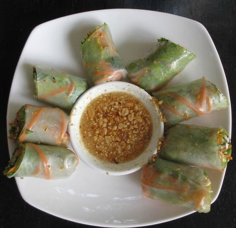 New Riverside Hotel: Fresh spring rolls - very good