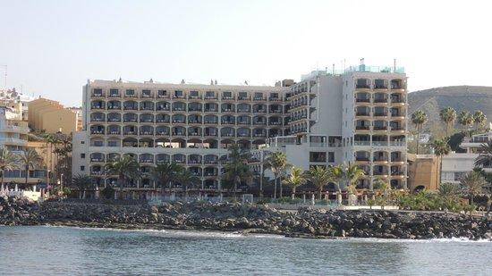 Hotel Dorado Beach & Spa: Hotel von der Fähre aus
